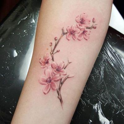 tattoo flor braço